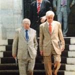 Με Προκόπη Παυλόπουλο και Γιώργο Σουφλιά βγαίνοντας από το Μέγαρο Μαξίμου